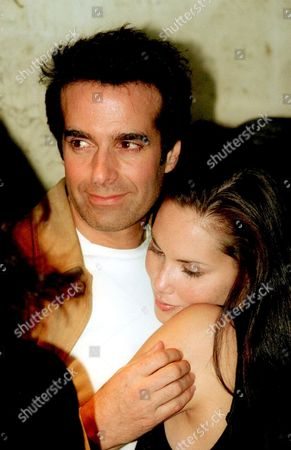 """DAVID COPPERFIELD AND GIRLFRIEND TRACI HOLLADAY AT THE PREMIERE OF THE FILM """"THE INSIDER"""". NEW YORK CITY."""