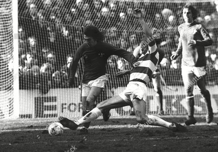 Terry Mancini (QPR) Ian Britton (Chelsea) Queens Park Rangers 15/1/74 F A Cup 3rd rd replay 1973 / 74 season FA Cup R3 Replay: QPR 1 Chelsea 0