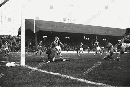 Ian Hutchinson (Chelsea) scores his goal 1975 / 76 Season Hull City v Chelsea 8/11/75 Hull City 1 Chelsea 2