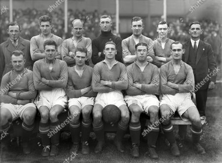 Football - 1930 / 1931 season - Everton Team Group Back (left to right): Edward 'Ted' Common Jock Thomson Warney Cresswell Billy Coggins McPherson Arthur Rigby T Cook (trainer) Front: Thomas 'Tommy' White George Martin Ted Critchley Ben Williams Dixie Cean Thomas 'Tom' Griffiths Everton - 1930/31
