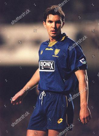 Stewart Castledine (Wimbledon) Arsenal v Wimbledon 19/4/99 1998 / 99 season Credit : Colotsport Arsenal 5 Wimbledon 1