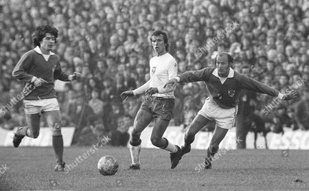 Terry Mancini (right) and Joe Kinnear (left) (Ireland) Republic of Ireland v Poland 21/10/1973 Rep of Ireland v Poland