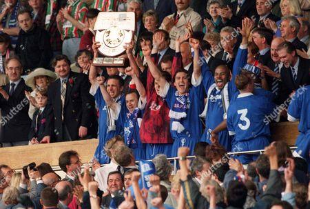 Birmingham team celebrate (Mark Ward 2nd left) Birmingham City v Carlisle United Auto Windscreens Shield Final 23/04/1995 Wembley 1995 Auto WS Final: Birmingham 1 Carlisle Utd 0