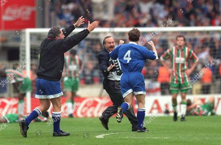 Barry Fry Birmingham Manager (left) celebrates at the final whistle with Mark Ward (4) Birmingham City v Carlisle United Auto Windscreens Shield Final 23/04/1995 Wembley 1995 Auto WS Final: Birmingham 1 Carlisle Utd 0