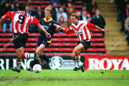 Paul Tisdale (Southampton) right Warren Barton (left) Wimbledon v Southampton 17/04/1995 Wimbledon 0 Southampton 2
