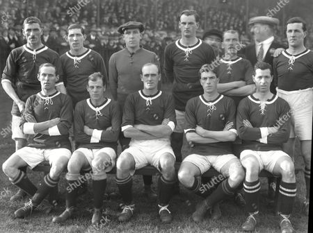 Football - 1919 First World War Internationals - England 2 Wales 0 (18/10/1919 ) Wales Team Group for the game played at Stoke Back row (left to right): Billy Meredith Frederick Keenor Teddy Peers Billy Matthews Lloyd Davies Goodwin Front: Hughes Lt Jones J Jones Stanley Davies Edward 'Ted' Vizard 1919 Wales Football Team Group