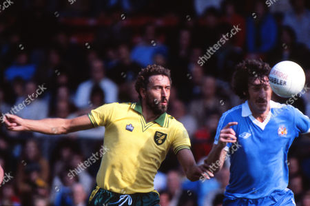 Martin Chivers (Norwich) Norwich City v Manchester City; 02/09/1978 Norwich 1 Man City 1