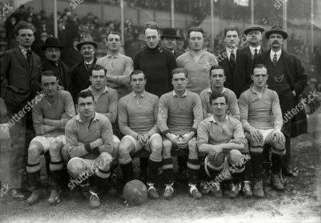Football - 1922 / 1923 FA Cup - First Round: West Bromwich Albion 0 Stalybridge Celtic 0 The Stalybridge Celtic Team Group before the game at The Hawthorns on 13/01/1923 Back (left to right): Ernest Thornley George Ratcliffe Albert Fischer Fred Broadhurst Thomas Lonsdale William Dennis William Rhodes Joseph O'Beirne George Coe (trainer) John Johnstone (Manager) Front: Harold Stafford Joseph O'Kane Christopher Sambrooke Edmund Woodley George Benson Herbert Tyler Ground: James Carney and Harry Lockett WBA won replay 2-0 on 17/01/1923 FA Cup 1R: WBA 0 Stalybridge 0