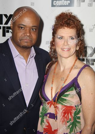 Terence Bernie Hines, Amy Stiller