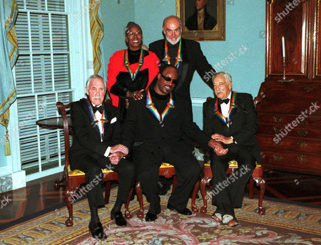 Group shot of the 1999 Kennedy Center Honorees at the State Department on December 4, 1999. Left to Right: Jason Robards, Judith Jamison, Stevie Wonder, Sean Connery and Victor Borge.