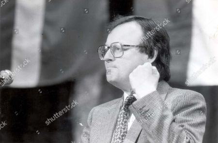John Selwyn Gummer Baron Deben. Conservative Party Politician Formerly Member Of Parliament (mp) For Suffolk Coastal Now A Member Of The House Of Lords. Pkt4706-331984 Original Print Held In Kensington.