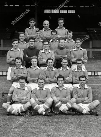 Football - 1955 / 1956 season - Liverpool Team Group Back (left to right): Geoff Twentyman Ray Lambert F Perry Second Row: Ronnie Moran Alan Arnell Arthur Rowley A South Third Row: Laurie Hughes D Underwood J Evans D Rudman Louis Bimpson Fourth Row: Brian Jackson D Campbell E Anderson Jimmy Payne Alan A'Court Ground: Jimmy Melia T McNulty Bobby Campbell Jimmy Molyneux Liverpool - 1955/56