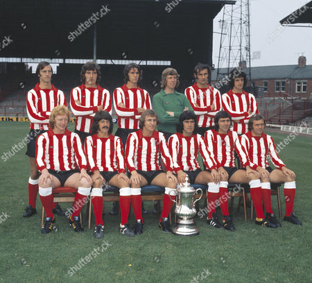 Football - 1973 Sunderland Summer Photocall Sunderland 1973 FA Cup Winning Team GroupBack (left to right): David Young Vic Halom Dave Watson Jim Montgomery Dick Malone Richie Pitt Front: Mike Horswill Bobby Kerr Dennis Tueart Billy Hughes Ian Porterfield Ron Guthrie Sunderland - 1973 FA Cup Winners