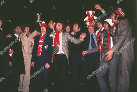 Football Sunderland team with the FA Cup trophy L-r: Arthur Cox (coach) Jim Montgomery Bobby Kerr Dick Malone (behind) Dennis Tueart David Young (behind) Ron Guthrie Mick McGiven Richie Pitt Billy Hughes and Ian Porterfield Sunderland homecoming FA Cup Final 1973 after beating Leeds United07/05/1973 1973 FA Cup: Sunderland Homecoming