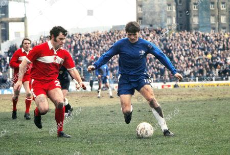 Charlie Cooke (Chelsea) John Craggs (Midd) Chelsea v Middlesbrough 22/03/1975 Chelsea v Middlesbrough
