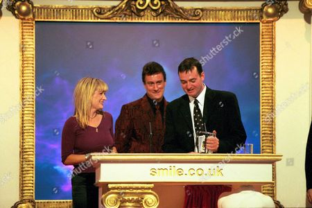 CAROLINE AHERN STEPHEN TOMPKINSON AND CRAIG CASH AT THE 1999 COMEDY AWARDS AT LONDON WEEKEND TELEVISION STUDIOS