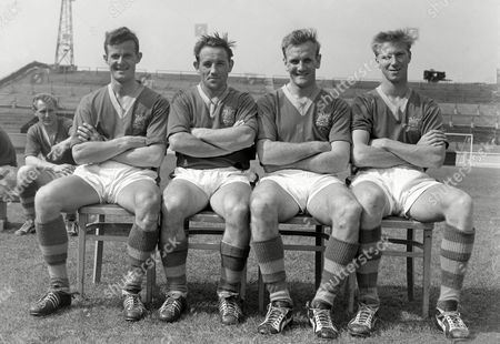Football - 1959 / 1960 season - Leeds United photocall Left to right: Alan Shackleton Wilbur Cush Don Revie and Jack Charlton Alan Shackleton, Wilbur Cush, Don Revie, Jack Charlton - Leeds United