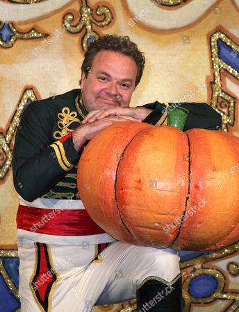 Hal Cruttenden as Dandini