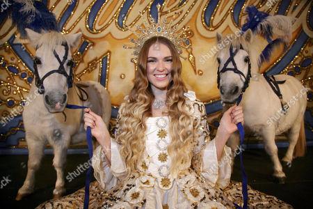 Zoe Salmon as Cinderella