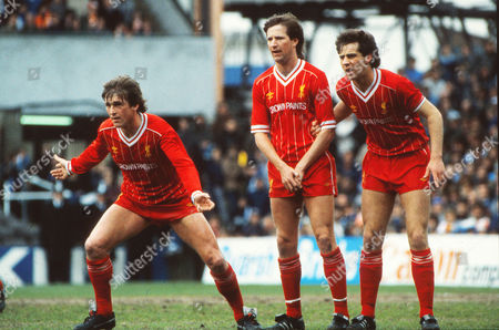 L to R Kenny Dalglish Ronnie Whelan and Jim Beglin - Liverpool Ipswich town v Liverpool 27/04/1985 Ipswich town v Liverpool