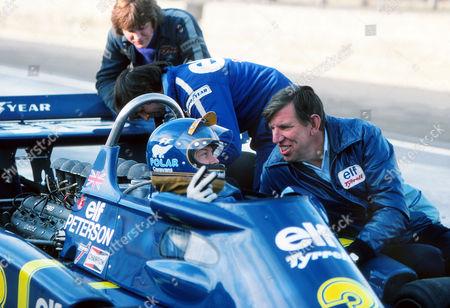 Motor Racing - 1976 Formula One World Championship Ken Tyrrell talks with Ronnie Peterson November 1976