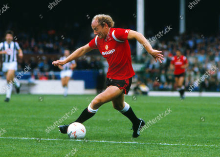 Football Alan Brazil (Manchester United)West Bromwich Albion vs Manchester United 21/09/1985 WBA 1 Man Utd 5