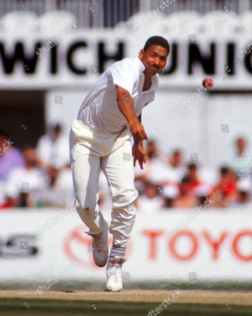 Cricket : Phil DeFreitas - England England v West Indies 5th test at the Oval Aug 1991 England v West Indies