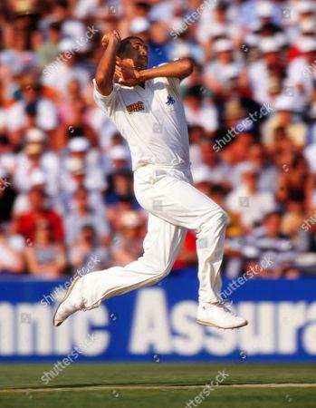 Cricket : Phil DeFreitas - England England v Pakistan One day Texaco trophy at The Oval 22/05/1992 England v Pakistan