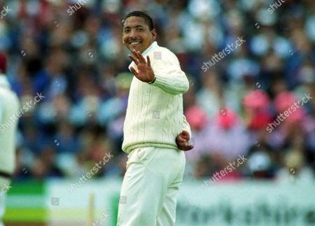 Cricket : Phil DeFreitas - England England v West Indies 1st test at Headingley 08/06/1995 England v West Indies