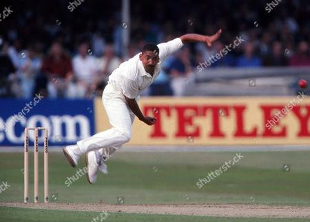 Cricket : Phil DeFreitas - England England v Pakistan One day International at Lords 22/08/1992 England v Pakistan