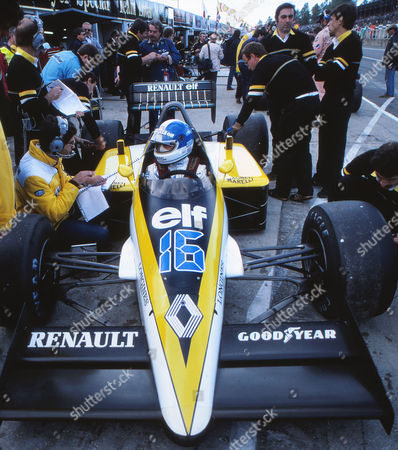 Motor racing - 1985 Formula One World Championship - Grand Prix of Europe Derek Warwick (GB) of Renault in the pits at Brands Hatch 1985 Grand Prix of Europe