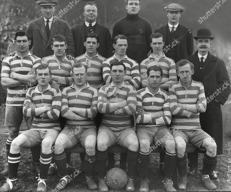 Football - 1919 / 1920 season - Bradford Park Avenue Team Group Back (left to right): T Longham F Chadwick (trainer) G Scattergood L Barnwell Middle: Blackham J Crosier W Dickinson D Howie J Scott Mr T Maley (secreatary) Sitting: Turnbull ------ McLean Bauchop McCandless They reached the quarter-final of the FA Cup that season Bradford Park Avenue - 1919/20