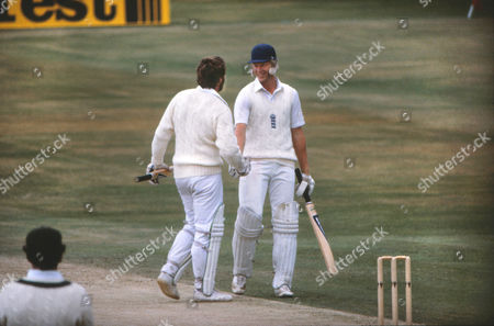 Cricket - Third Test Headingley - England vs Australia England's Graham Dilley is congratulated by Ian Botham after reaching his fifty during England's second innings Dilley went on to score 56 and share a partnership of 117 with Botham England won the match by 18 runs