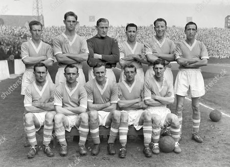 Football - 1955 / 1956 First Division - Manchester City 1 Birmingham City 1 Manchester City team group before kick-off at Maine Road on 31/03/1956 Back (left to right): Roy Little W Leivers Bert Trautmann Roy Paul Dave Ewing Ken Barnes Front: Billy Spurdle J Hayes Don Revie J Dyson Roy Clarke Manchester City - 1955/6