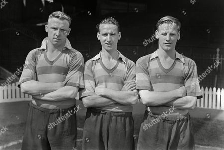 Football : Bradford Park Avenue Photocall 01/08/1947 L to R Henry 'Harry' Leonard Arthur Farrell Ron Greenwood - Bradford Bradford P A Photocall