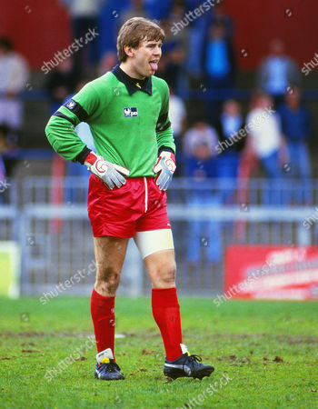Football : Crystal Palace v Oldham Athletic 25/04/1987 Andy Goram - Oldham goalkeeper He was a Scotland International and started as a reserve at West Bromwich Albion Palace v Oldham