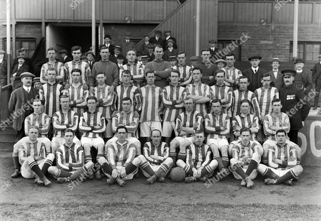 Football : West Bromwich Albion team Full Squad 1913 - 14 season 01/08/1913 Back row : L to R S Richardson R Riddle C Critchley E Shore H Pearson H Wright L Moorwood F Waterfall E Paddock ass trainer) 2nd row : W Barber F Reed C Deacey F Morris O Poulton A Lewis L Steer H H Jackson - C Wood J Buck G Baddelley H Harrison (Groundsman) Sitting : Robert 'Bobby' McNeal A Cook J Waterhouse A Bentley Jesse Pennington (Captain) J Smith Howard Gregory B Shearman On Ground : A C Jephcott W Hackett A Swift J A Lloyd J Mann J M Donald J T Newall WBA Full Squad 1913