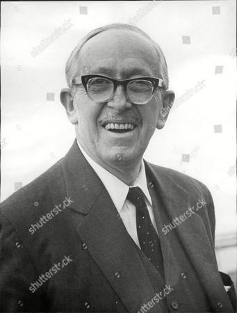 Lord Salisbury (5th Baron) Politician.