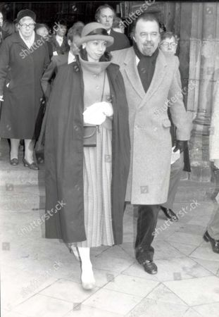 Sir Peter Hall And Lady Hall At Church Service For Sir Ralph Richardson Pkt1988 - 139239 Original Print Held In Kensington.