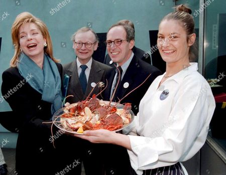 "Editorial picture of QUEEN NOOR OF JORDAN AT THE LAUNCH OF THE FIRST SEAFOOD PRODUCTS CERTIFIED BY THE MARINE STEWARDSHIP COUNCIL ( MSC ) AT "" FISH ! "" RESTAURANT IN LONDON - ALSO JOHN SELWYN GUMMER AND SCOTT BURNS"