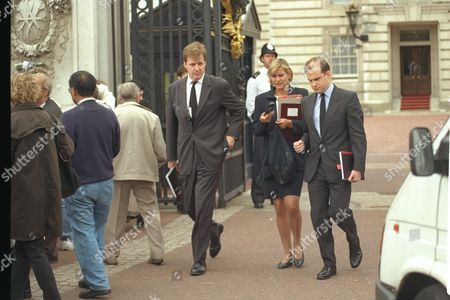 Alastair Campbell (l) Press Secretary To Prime Minister Tony Blair (not Shown) Here At Buckingham Palace With Downing Street's Director Of Relations Anji Hunter Preparing For Funeral Of Diana Princess Of Wales 1997.