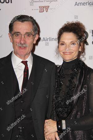 Roger Rees and Mary Elizabeth Mastrantonio