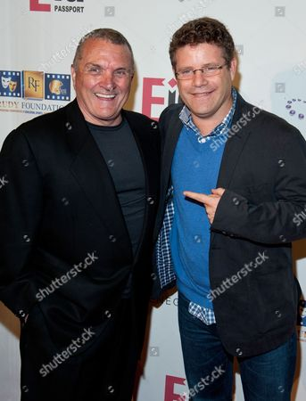 Stock Photo of Rudy Ruettiger and Sean Astin