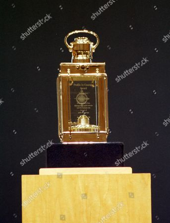 PROFILE IN COURAGE AWARDS TROPHY, BOSTON AMERICA 2000