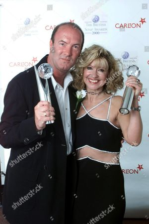 DEAN SULLIVAN AND SUE JENKINS WINNERS OF THE BEST ON SCREEN PARTNERSHIP AT THE BRITISH SOAP AWARDS 2000 FROM BBC TV CENTRE.