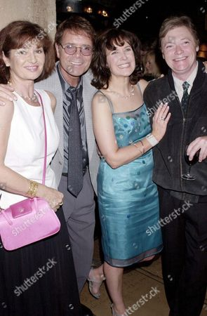 "CLIFF RICHARD AND STEPHANIE BEACHAM WITH HELEN HOBSON AND SIMON WARD AT THE PARTY FOR THE NEW PLAY ""MINDGAME"""