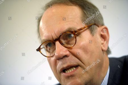 Jorma Ollila, former Chairman and CEO of Finnish mobile phone maker Nokia has published his biography