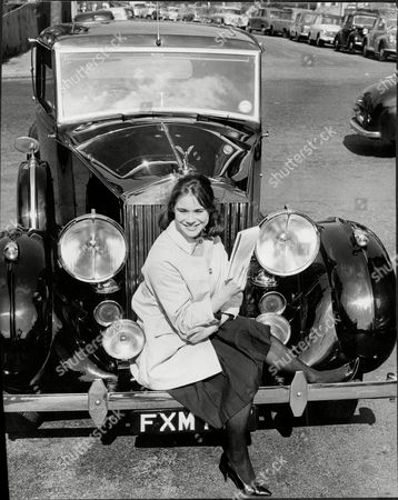 Actress Heather Sears With Her Rolls Royce Heather Christine Sears: (28 September 1935 Oo 3 January 1994) Was A British Stage And Screen Actress.