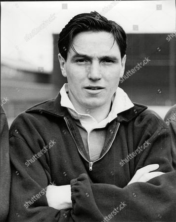 Hibernian Footballer Bobby Johnstone Robert Johnstone (7 September 1929 Oo 22 August 2001) Was A Scottish Association Football Player Mainly Remembered As One Of The Famous Five Forward Line Of Hibernian. In Hibs' Rich History No Group Of Players Has Ever Achieved Greater Fame Than The Famous Five: Gordon Smith Bobby Johnstone Lawrie Reilly Eddie Turnbull And Willie Ormond. In The Late 1940s And Early 1950s They Forged A Front Line That Was The Scourge Of Defences Throughout Scotland. Johnstone Was The First Of The Five To Leave Hibs When He Was Sold To Manchester City In 1955. He Also Enjoyed Success With The English Club Becoming The First Player To Score In Successive Fa Cup Finals At Wembley In 1955 And 1956. Johnstone Who Is Also Fondly Remembered By Supporters Of Oldham Athletic Won 17 Caps For Scotland.