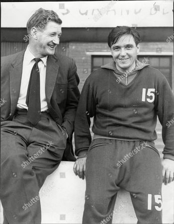 Hibernian Footballer Bobby Johnstone (right) With Rangers Rival Willie Woodburn Robert Johnstone (7 September 1929 Oo 22 August 2001) Was A Scottish Association Football Player Mainly Remembered As One Of The Famous Five Forward Line Of Hibernian. In Hibs' Rich History No Group Of Players Has Ever Achieved Greater Fame Than The Famous Five: Gordon Smith Bobby Johnstone Lawrie Reilly Eddie Turnbull And Willie Ormond. In The Late 1940s And Early 1950s They Forged A Front Line That Was The Scourge Of Defences Throughout Scotland. Johnstone Was The First Of The Five To Leave Hibs When He Was Sold To Manchester City In 1955. He Also Enjoyed Success With The English Club Becoming The First Player To Score In Successive Fa Cup Finals At Wembley In 1955 And 1956. Johnstone Who Is Also Fondly Remembered By Supporters Of Oldham Athletic Won 17 Caps For Scotland.
